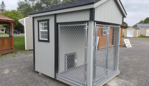 6x8 Dog Kennel,Traditional Style Belleville Ontario